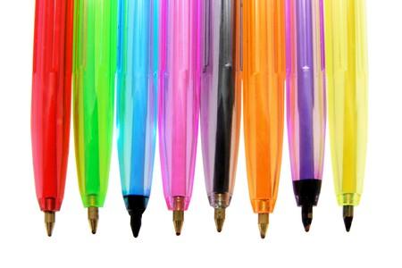 ball pens stationery: Fila de plumas de bol�grafo Close Up  Foto de archivo