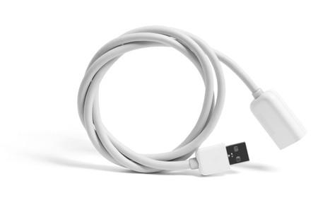 usb kabel: USB-Kabel auf wei�em hintergrund isoliert Lizenzfreie Bilder