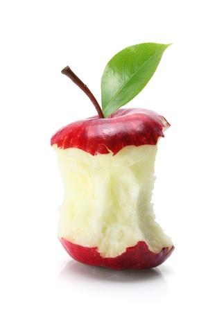 noyau: Mordu Apple Core sur fond blanc Banque d'images