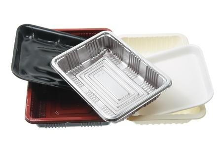 envases plasticos: Bandejas de comida en el fondo blanco