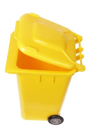 garbage bin: Basura Papelera en el fondo blanco