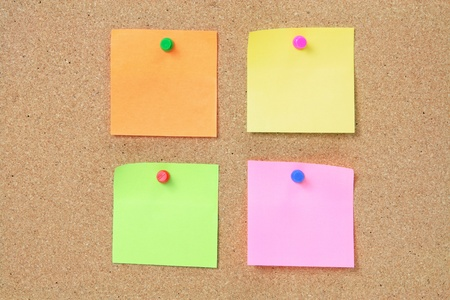 Sticky Notes on Cork Board Banque d'images