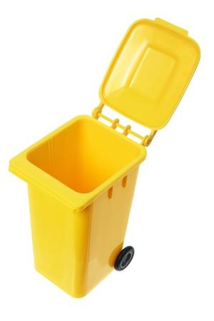 garbage bin: Cubo de la basura en miniatura sobre fondo blanco Foto de archivo