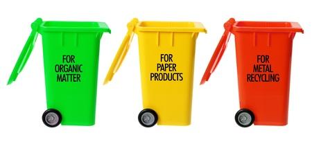 garbage bin: Garbage Bin en el fondo blanco