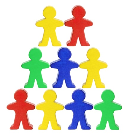 vida social: Figuras de madera sobre fondo blanco