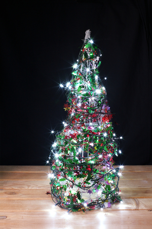 Christmas Tree on Wooden Background Banque d'images