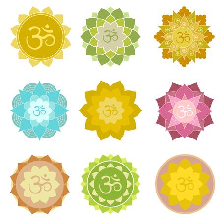 flor de loto: Conjunto de s�mbolos aislados om. Perfecta para el yoga y el logotipo de la pr�ctica de la meditaci�n, etiquetas, invitaciones y m�s. s�mbolos espirituales indios en resumen flores de loto Vectores