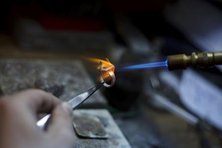 生産のクローズ アップの詳細を作る ewelry