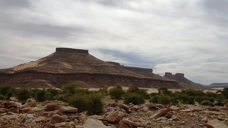 atar: Landscape with Adrar mountain, rocks and desert, Mauritania Stock Photo