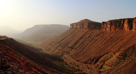 atar: Landscape with Adrar mountain, rocks and gorge, Mauritania Stock Photo