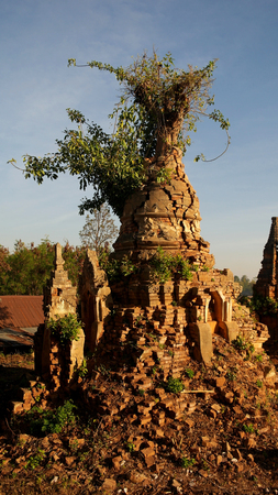inn: Ruined buddhist stupa in Inn Dein, Myanmar Stock Photo