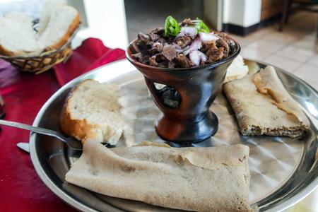 전통 oromo와 에티오피아 요리 접시 일명 tibs, 에티오피아