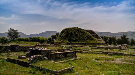 파키스탄의 Taxila 폐허에서 Dharmarajika stupa의 전망
