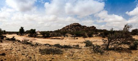 pintura rupestre: Las pinturas de cuevas Laas Geel exterior de roca cerca de Hargeisa, Somalia Foto de archivo