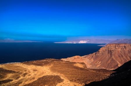 걸프 Tadjoura 및 Ghoubet 호수, 지부티 스톡 콘텐츠 - 71534332