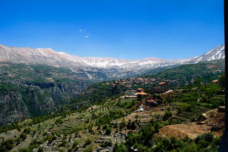 산과 Kadisha 골짜기 일명 거룩한 계곡에서 레바논의 풍경보기 스톡 콘텐츠 - 87488665