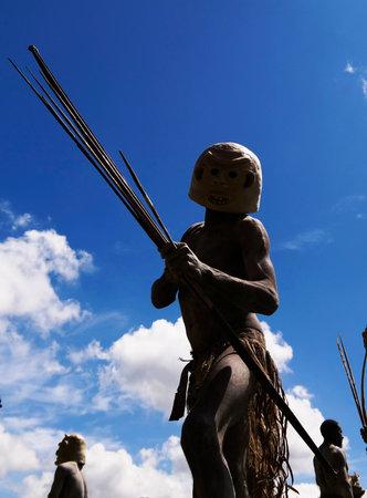 Asaro Mudman tribe man in Mount Hagen festival -17-august-2014, Mount Hagen, Papua New Guinea 에디토리얼