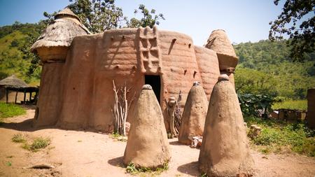 Traditioneel Tammari-volkendorp Tamberma in Koutammakou, het land van de Batammariba in de regio Kara, Togo