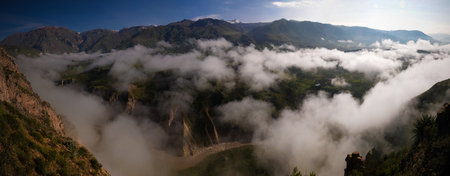 Aerial panoramic view to Colca canyon from the Tunturpay viewpoint at Chivay, Arequipa, Peru 版權商用圖片