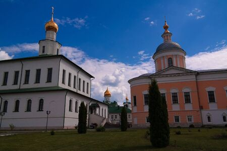View to The Cathedral Of The Epiphany and Church Of St. Sergius Of Radonezh in Epiphany Staro-Golutvin cloister at Kolomna, Moscow region, Russia 版權商用圖片
