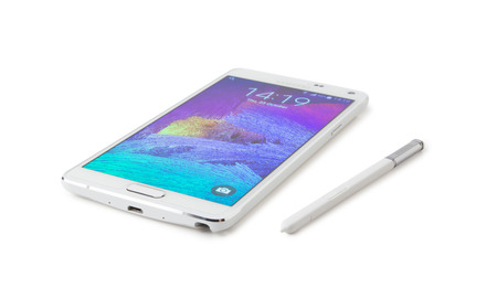 samsung galaxy: Istanbul, Turkei - October 25. 2014: Samsung Galaxy Note 4 isolated on white
