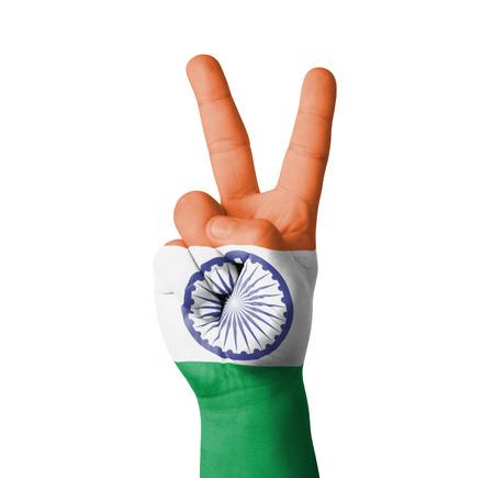 drapeau inde: Main en faisant le signe de V, l'Inde drapeau peint