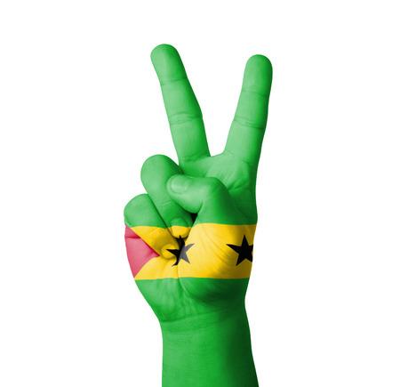 tomo: Facendo il segno V a mano, Sao Tome Principe bandiera dipinta Archivio Fotografico
