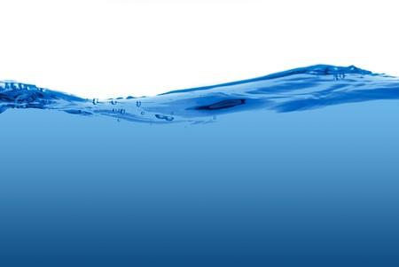 zrozumiały: Fala niebieska woda samodzielnie na biaÅ'ym tle.