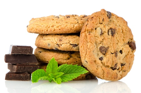 cikolatali: Chocolate chip cookies with chocolate parts isolated on white background.