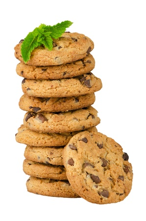 cikolatali: Chocolate cookies with mint leaves isolated on white background.