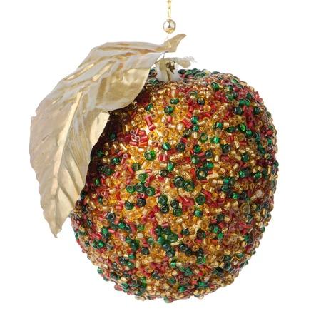 christmas apple: Pallina di Natale appeso decorazione di mela isolato su sfondo bianco