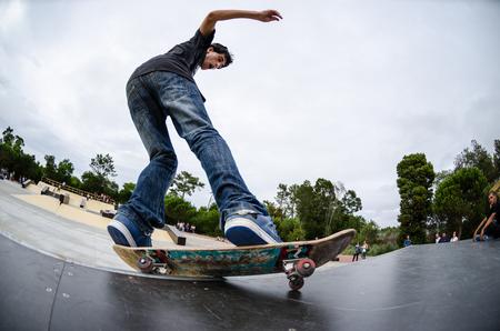 ILHAVO, PORTUGAL - 22 augustus 2015: Antonio Fausto tijdens de Ilhavo Skateboarden Championship en het nieuwe skatepark opening. Redactioneel
