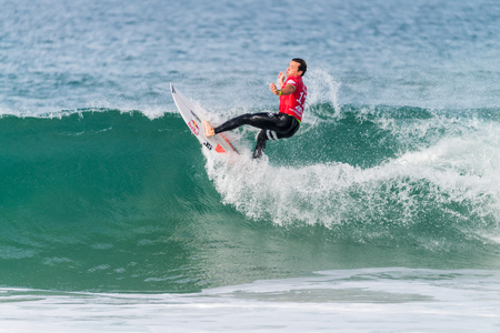 asp: PENICHE, PORTUGAL - OCTOBER 23, 2015: Julian Wilson AUS during the Moche Rip Curl Pro Portugal, Mens Samsung Galaxy Championship Tour 10.