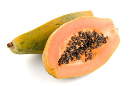 cutaneous: Fresh and tasty papaya on white background.