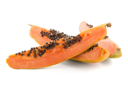 cutaneous: Fresh and tasty papaya on white background.