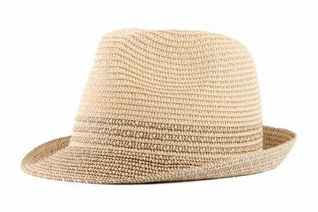 Cappello di paglia isolato su sfondo bianco.