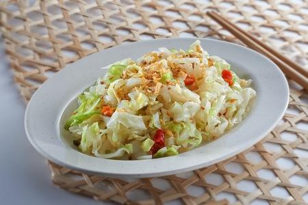 Stir fry cabbage with dry shrimp Reklamní fotografie