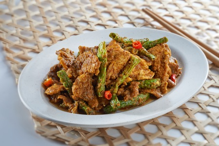 Long green bean cook with tauhu  cook in spicy sauce