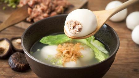 palla di carne cinese gnocco con zuppa