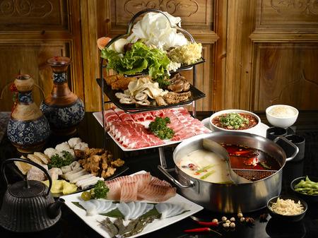 さまざまな成分のダブル ☆ 鍋スープ