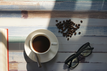 Drink coffee slowly and feel refreshed.