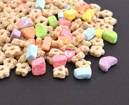 marshmallow kids cereal on black background 스톡 콘텐츠
