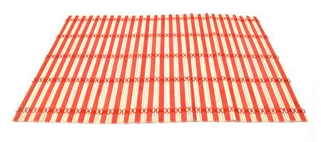Bambou rouge et blanc sur fond blanc Banque d'images - 98463427