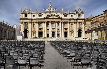 vatican and chairs for mass Imagens