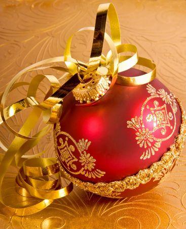 holiday xmas ornament and ribbon Imagens