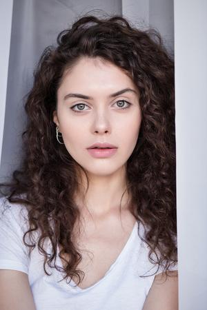 Natural beauty brunette woman Imagens