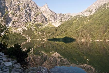 oko: Morskie Oko lake with peaks around in Tatry mountains