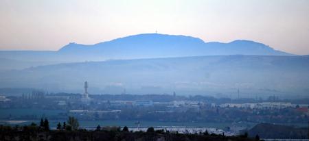 hill range: Palava (Pavlovske vrchy) mountain range from Hady hill above Brno city Stock Photo