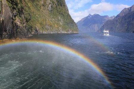 milford: Rainbow at Milford sound