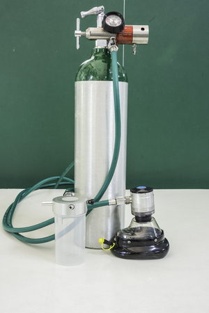 régulateur de bouteille d'oxygène et masque avec soupape à la demande